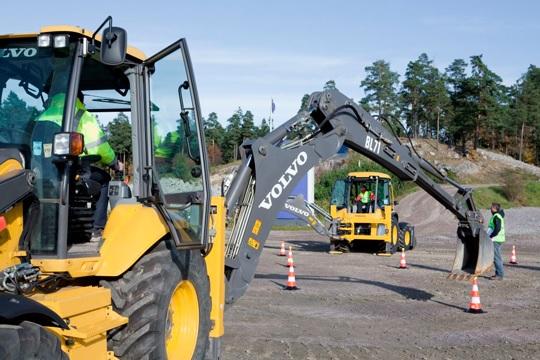 Соревнование операторов дорожно-строительной техники